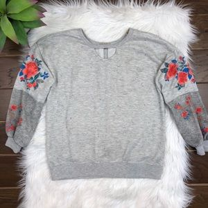 [Democracy] Floral Grey Ruffle Sweater Keyhole XS